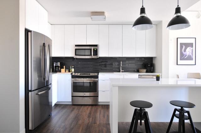 Skjulte fejl og mangler ved ejerlejlighed kan være en manglende gasledning til komfur eller ødelagte elektriske installationer. Boligadvokaterne kan hjælpe dig.